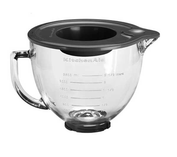 Чаша стеклянная, 4,83 л, KitchenAidЧаши и дежи<br>Стеклянная дополнительная чаша емкостью в 4,83 л для миксера планетарного от KitchenAid используется не только для перемешивания ингредиентов, но и для длительного хранения готовых блюд, их разогревания в микроволновке или для замораживания. В процессе приготовления вы сможете растопить шоколад и/или охладить в ней масло.&#13;<br>&#13;<br>На боковой поверхности имеются мерные деления (в л, мл и унциях).&#13;<br>«Носик» предназначен для слива жидкости.&#13;<br>Чаша с силиконовой крышкой.&#13;<br>Пригодна для мытья в посудомоечной машине-автомате.&#13;<br>&#13;<br><br>