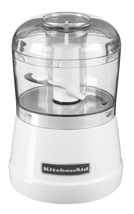 Измельчитель продуктов (чоппер), 2 скорости, белый, 5KFC3515WH, KitchenAidНовинка 2013: чоппер-измельчитель 5KFC3515 – это поистине&#13;<br>идеальное решение при приготовлении суповых заправок из овощей, салатов,&#13;<br>различных соусов и блюд детского питания. Чоппер занимает мало места, он весьма&#13;<br>прост в обслуживании и управлении: 1-я скорость - измельчение, 2-я скорость -&#13;<br>приготовление пюре.&#13;<br>&#13;<br>Рутинную работу можете смело доверить измельчителю от KitchenAid!&#13;<br>&#13;<br>В комплекте:&#13;<br>&#13;<br>Крышка +&#13;<br>     устройство для добавления различных ингредиентов (2 скорости).Встроенный нож:&#13;<br>     острое и прочное лезвие в мгновение измельчает малые порции мяса, отварных&#13;<br>     или свежих фруктов или овощей, зелени, корнеплодов и орехов. При этом лезвие&#13;<br>     зафиксировано на стержне в процессе извлечения измельченных составляющих из&#13;<br>     чаши.&#13;<br>&#13;<br>Чаша емкостью&#13;<br>830 мл: без содержания бисфенола А, ее можно мыть в любой модели&#13;<br>бытовой посудомоечной машины.<br>