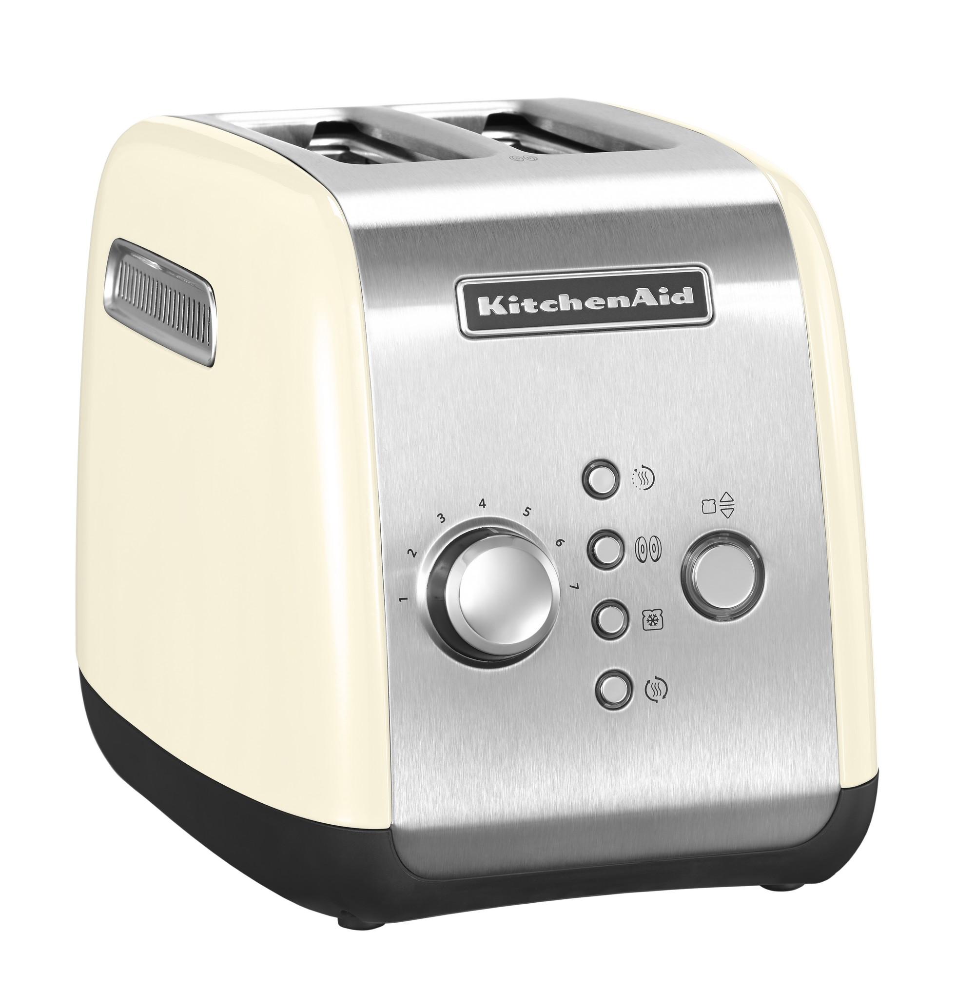 Тостер на 2 хлебца, кремовый, 5KMT221, KitchenAidТостеры KitchenAid<br>&#13;<br>&#13;<br>Тип: на 2 хлебца;&#13;<br>Материал корпуса: сталь;&#13;<br>Хромированная ручка регулирования температуры;&#13;<br>Широкие отверстия для тостов;&#13;<br>Шкала с 7 степенями поджаривания;&#13;<br>Кнопка «Приготовление»/«Отмена»: позволяет опустить/поднять тосты вручную;&#13;<br>Функция для приготовления булочек и бейглов: поджаривает изнутри, подогревает снаружи;&#13;<br>Функция размораживания;&#13;<br>Режим подогрева в течение 3 мин.&#13;<br><br>