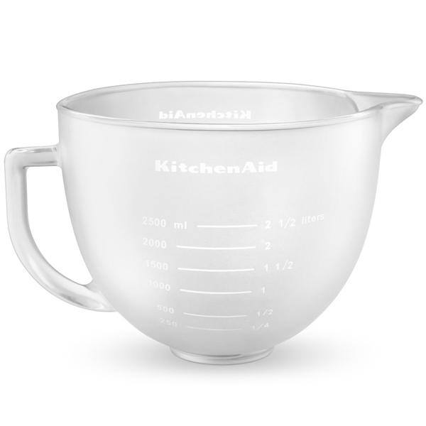 Чаша стеклянная, матовая, 4,83 л, KitchenAidЧаши и дежи для миксеров<br>Стеклянная матовая чаша для миксеров Artisan объемом 4,8 л не только станет достойной заменой для прежней чаши, но и вполне пригодится в качестве дополнительного аксессуара для миксера.&#13;<br>&#13;<br>Изготовлена из прочного закаленного стекла.&#13;<br>Необычный внешний вид придает «изюминку» миксеру.&#13;<br>Удобная ручка - чашу легко переносить и просто работать с жидкостями.&#13;<br>Носик для удобного слива жидких продуктов.&#13;<br>На стенке - мерная шкала.&#13;<br>Можно хранить и замораживать в морозильной камере.&#13;<br>Можно мыть в посудомоечной машине-автомате, а также вручную.&#13;<br>&#13;<br><br>