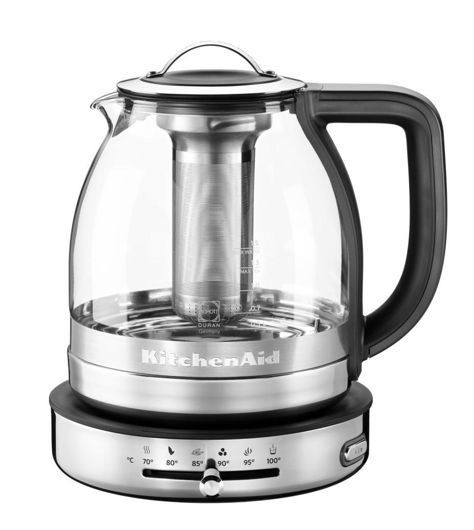 Чайник электрический для кипячения и заваривания, 1,5 л., стеклянный,  5KEK1322SS KitchenAidЧайники<br>Эксклюзивное решение KitchenAid для поклонников ароматного чая - стеклянный электрический чайник со съемным заварочным стаканом. Нагрейте воду до необходимой температуры, заварите чай и наслаждайтесь чистым и гармоничным вкусом любимого чая!&#13;<br>Быстро приготовит любой чай&#13;<br>Больше нет необходимости возиться с заварочным чайником - точно соблюдайте инструкции по завариванию и вы получите идеальный чай за считанные минуты.&#13;<br>Премиальная конструкция из стали и стекла&#13;<br>Корпус из нержавеющей стали и жаропрочного стекла не влияет на вкус и запах чая, бережно сохраняя кажную нотку ароматного букета.&#13;<br>5 температурных режимов для разных видов чая&#13;<br>Чайник помогает раскрыть уникальные особенности каждого сорта чая. Температура заваривания, как и качество воды - базовая составляющая правильного чая. Установить нужную темпертуру легко при помощи рычажка на базе чайника, а наглядные символы помогут не ошибиться в выборе.&#13;<br>Съемный заварочный стакан с держателем&#13;<br>Заварочный стакан из нержавеющей стали с перфорированными стенками легко снимается. Как только заварка достигла нужной крепости - выньте заварочный стакан и устновите его в держатель, защищающий стол от капель и загрязнений.&#13;<br>Режим поддержания температуры&#13;<br>Специальная функция позволит поддерживать комфортную температуру напитка70°С в течение 30 минут. Функция включается автоматически по окончании кипячения, но может быть включена и вручную. Функцию поддержания температуры можно использовать для приготовления особенно деликатных сортов чая.&#13;<br>Быстрое кипячение воды&#13;<br>Снимите заварочный стакан, и вы сможете за считанные минуты вскипятить воду для приготовления кофе пуровер, какао, горячего шоколада, быстрых каш и т.д.&#13;<br>5 установок + режим поддержания температуры &#13;<br>&#13;<br>Зеленый чай при 80°C&#13;<br>Белый чай при 85°C&#13;<br>Чай у