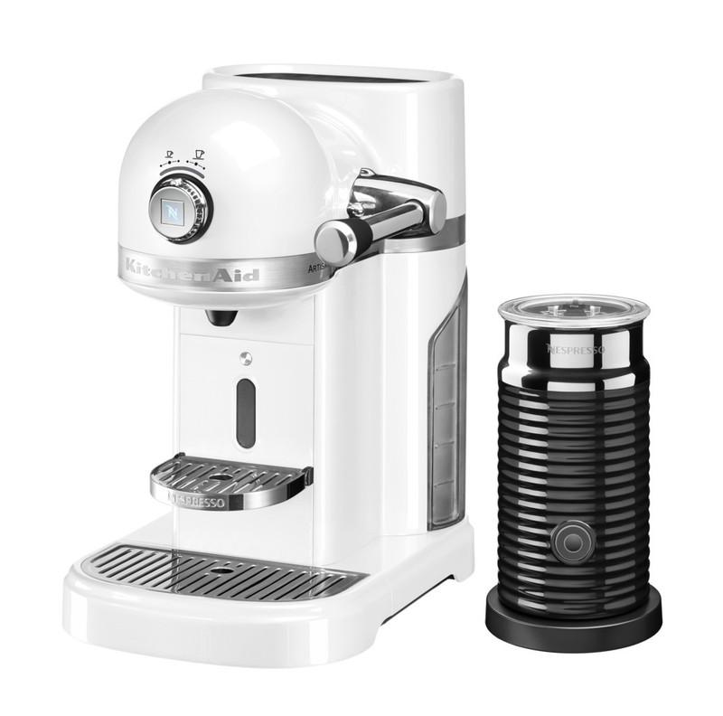 Кофеварка капсульная Artisan Nespresso + Aeroccino, морозный жемчуг, 5KES0504EFP, KitchenAidКофемашины Nespresso<br>Капсульная кофеварка Artisan Nespresso с устройством для взбивания молока Aeroccino сочетает в себе легендарный дизайн экстра-класса от KitchenAid и инновационную технологию (система высокого давления 19 бар), гарантирующую ни с чем не сравнимое качество кофе от Nespresso!&#13;<br>Кофе в капсулах Nespresso находится на пике популярности с момента своего появления. Качественный молотый кофе с лучших плантаций Бразилии, Америки и Африки тщательно подготовленный к приготовлению, высоко оценивается кофейными экспертами с мировым именем.&#13;<br>Особенности и преимущества:&#13;<br>&#13;<br>Кофеварка оснащена мощным нагревательным элементом из нержавеющей стали, поэтому требуется всего 25 секунд, чтобы вода в резервуаре достигла оптимальной температуры.&#13;<br>Насос высокого давления (19 бар) извлекает из кофейной капсулы максимум вкуса и аромата и создаёт плотную, высокую пенку «крем?» - первый признак отличного эспрессо.&#13;<br>Встроенный резервуар для воды объёмом 1,4 литра позволяет приготовить вкусный, ароматный кофе для большой компании.&#13;<br>Кофеварка имеет переключатель выбора объёма чашки, который позволяет выбрать 1 из 6 имеющихся вариантов – 25, 40, 60, 90, 110, 130 мл. Исходя из ваших предпочтений кофеварка программирует и сохраняет часто используемый вами вариант.&#13;<br>Автоматическое отключение после завершения цикла приготовления.&#13;<br>Для удобства использования кофеварка оборудована встроенным выдвижным лотком для сбора воды, а также поддоном для чашек.&#13;<br>Цельнометаллический корпус не боится физического воздействия, царапин, пятен.&#13;<br>Доступна в 6 фирменных цветах KitchenAid: красный, карамельное яблоко, кремовый, морозный жемчуг, серебряный медальон, чёрный.&#13;<br>&#13;<br>Дополнительные функции:&#13;<br>Автономный сборный резервуар кофемашины Nespresso отделяет до 14 использованных капсул от остатков воды для оптималь