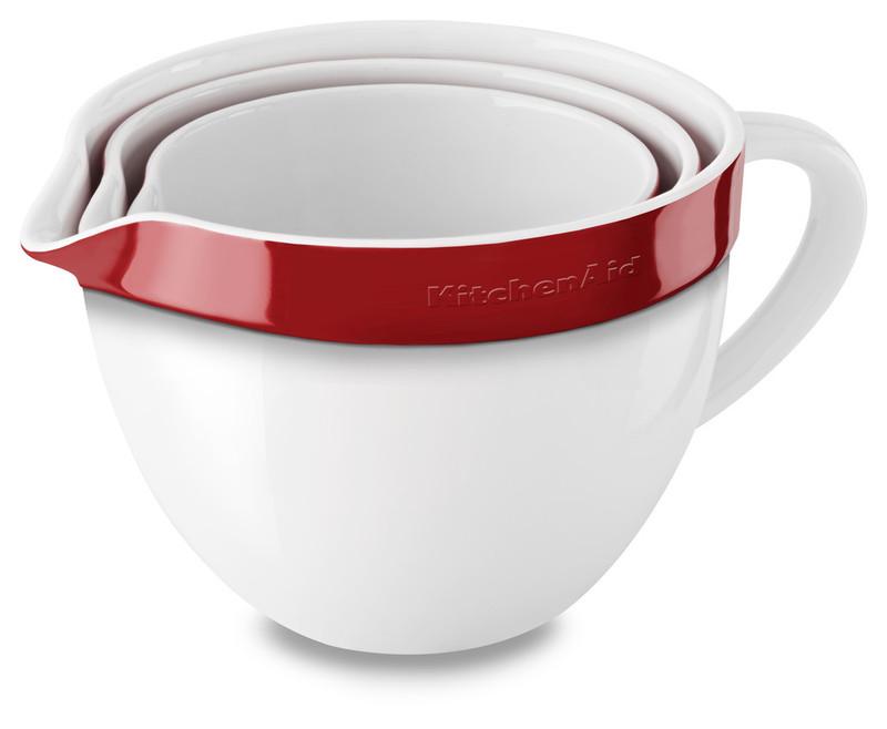 Набор круглых керамических чаш для смешивания (3 шт.), 1,4/1,9/2,8 л, красный, KBLR03NBER, KitchenAidКерамическая посуда<br>Жаропрочная керамика KitchenAid изготовлена из непористого кулинарного фарфора и покрыта стекловидной глазурью.&#13;<br>&#13;<br>подходит для приготовления и хранения блюд&#13;<br>стильный дизайн и отделка фирменных расцветок&#13;<br>не впитывает запахи, легко моется&#13;<br>&#13;<br><br>