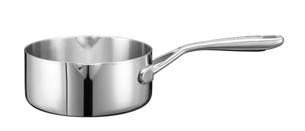 Сотейник без крышки, 3-слойный, нержавеющая сталь, 1,42 л., KC2T15MLST, KitchenAid3-слойная посуда из нержавеющей стали<br>Небольшой сотейник с ручкой потребуется вам, чтобы приготовить соус или заварной крем, разогреть молоко, растопить шоколад и. т. д. Сотейник имеет два сливных носика и удобную ручку, которая комфортно лежит в руке.&#13;<br>Особенности:&#13;<br>&#13;<br>Сварные ручки из нержавеющей стали&#13;<br>Допускается использование в духовом шкафу (нагрев до 260°С)&#13;<br>Объем: 1.420 л&#13;<br>Диаметр: 16 см&#13;<br><br>