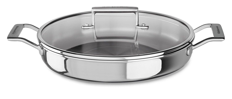 Сотейник с двумя ручками 3-слойный, 3,5 л., нержавеющая сталь, KC2T35BRST, KitchenAid3-слойная посуда из нержавеющей стали<br>Универсальный сотейник станет идеальной посудой для тушения овощей или мяса, приготовления гарниров, соте и других блюд.&#13;<br>Особенности:&#13;<br>&#13;<br>Жаропрочные стеклянные крышки&#13;<br>Сварные ручки из нержавеющей стали&#13;<br>Допускается использование в духовом шкафу (нагрев до 260°С)&#13;<br><br>