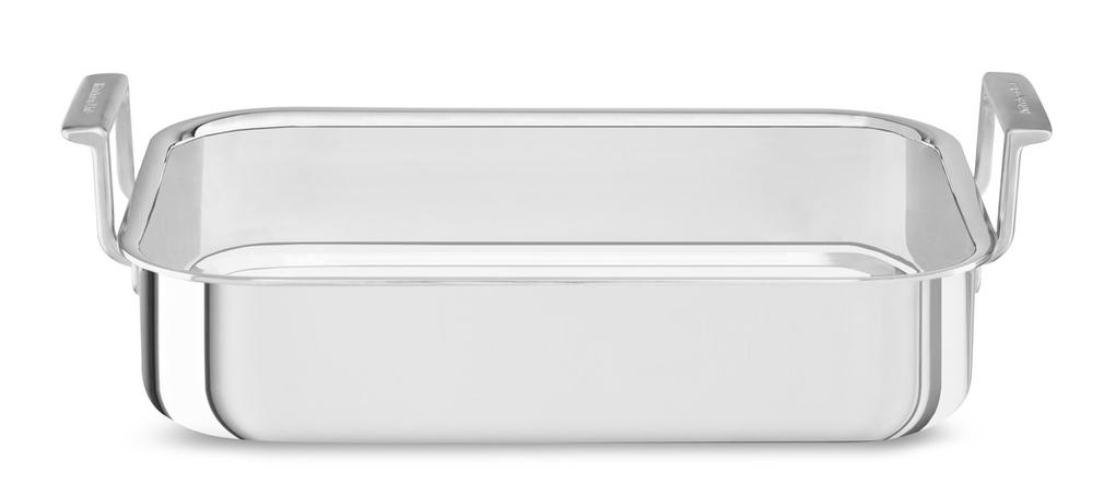 Лоток для запекания глубокий, 3-слойный, 37 х 27,5 см, нержавеющая сталь, KC2T35RPST, KitchenAidФормы для выпечки<br>Новая коллекция форм для выпечки KitchenAid, созданная при участии признанных шеф-поваров международного класса, призвана сделать процесс создания печеных десертов и блюд из духовки еще более приятным и творческим. Пироги и кексы, хлеб и пицца, печенье и пирожные – вы получите непередаваемое удовольствие от каждого ароматного и аппетитного кусочка!&#13;<br>Прочные, надёжные, массивные формы для выпечки KitchenAid изготавливаются из стали с покрытием из оксида алюминия. Покрытие защищает форму от коррозии, пятен, сколов и царапин, благодаря этому каждое изделие будет служить вам долгие годы, не теряя привлекательного вида. &#13;<br>Рабочие поверхности имеют антипригарное покрытие, благодаря которому изделия не прилипают и сохраняют идеально ровную форму, независимо от того, какое тесто вы используете.&#13;<br>Благодаря равномерному распределению тепла, выпечка приобретает ровную золотистую корочку.&#13;<br>Формы можно использовать в духовке при температуре до 230°C.&#13;<br>Можно мыть в посудомоечной машине.<br>