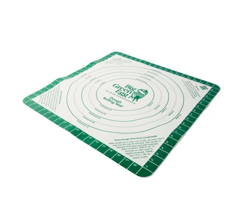 Коврик силиконовый гибкий с разметкой для раскатки теста для пиццы, Big Green EggАксессуары<br>Коврик для раскатывания теста для пиццы &#13;<br>Гибкий силиконовый коврик (51х51 см) с нескользящей поверхностью позволит легко и аккуратно раскатать тесто для пиццы или кальцоне. На коврике нанесены метки размеров пиццы, от маленького – 20 см, до большого коржа – 41 см. Коврик также подойдет для раскатки теста для печенья, коржей для пирогов и тортов.&#13;<br>В углу коврика вы найдете рецепт фирменного теста для пиццы BGE.<br>